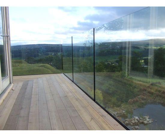 Creative_Glass_Mirrors_Ltd_Glass_balustrades_3.jpg 550×455 pixels