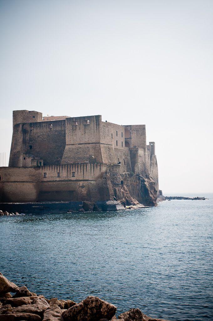 castel dell'ovo, Napoli • 40°50′00″N 14°15′00″E