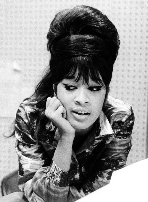 Ronnie Spector of The Ronettes, eyes and hair. she's a babe.