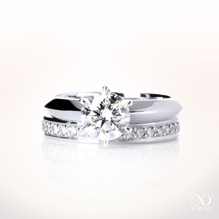There are many ways to combine different types of diamond rings #yorxs #diamantringe #kombinationen