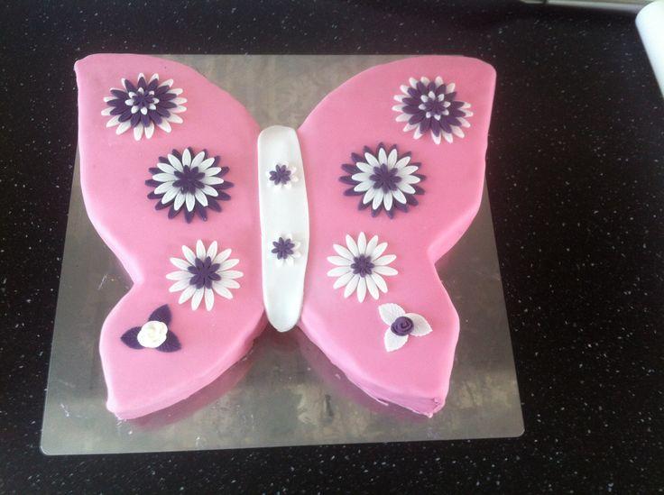 Mooie vlindertaart gemaakt voor mijn dochters 8ste verjaardag
