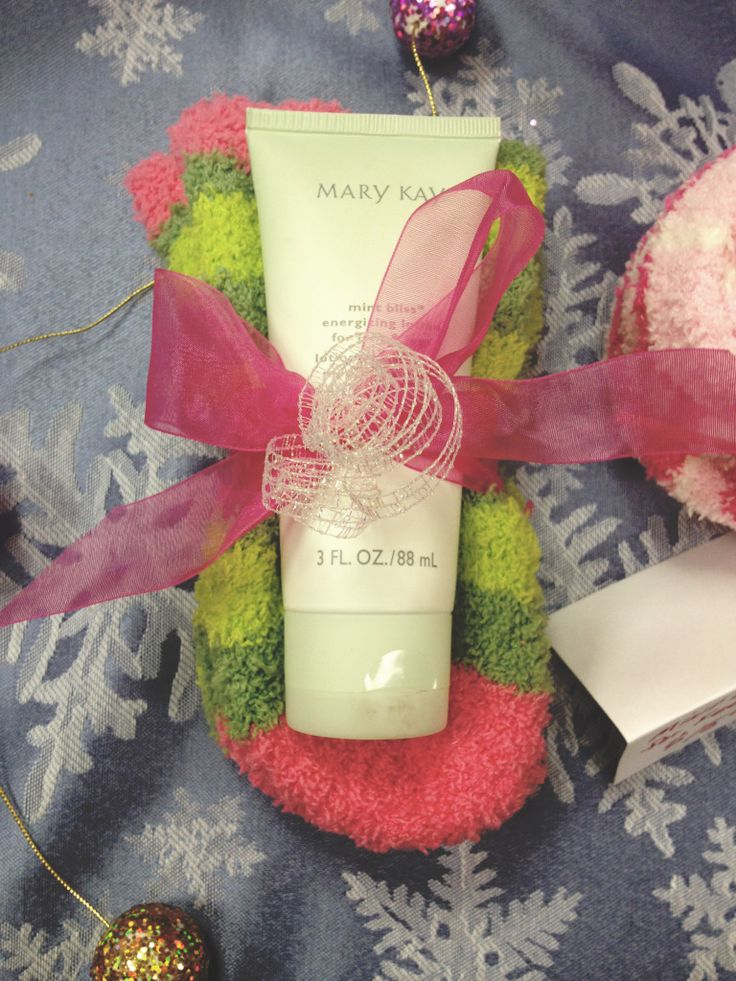 Adorable warm fuzzy socks with the Mint Bliss Energizing Lotion for Feet & Legs– $12+tax.  Again, these are great for a neighbor, a school teacher, a friend…the possibilities are endless.  Also makes a wonderful stocking stuffer.