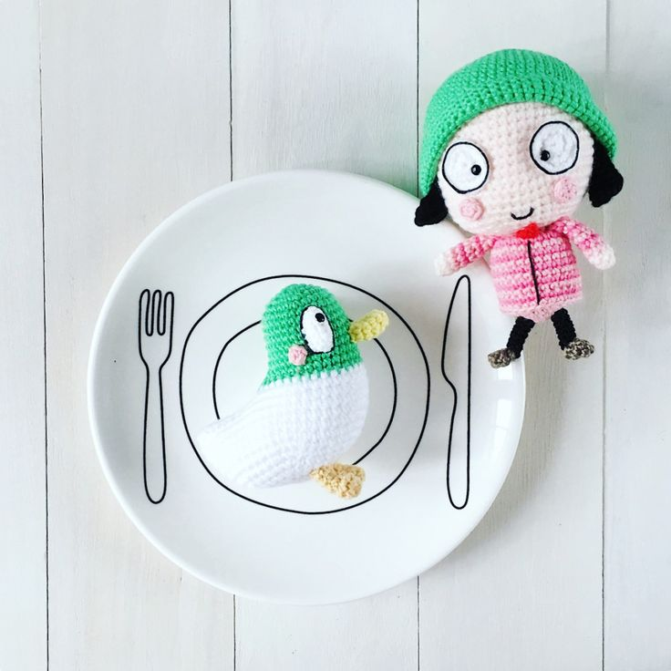 Sarah and Duck, quack! Sarah and Duck, quack! Sarah and Duck, quack! Hello my dear friends! It's been so long since I've updated my blog with a free amigurumi pattern and since C…