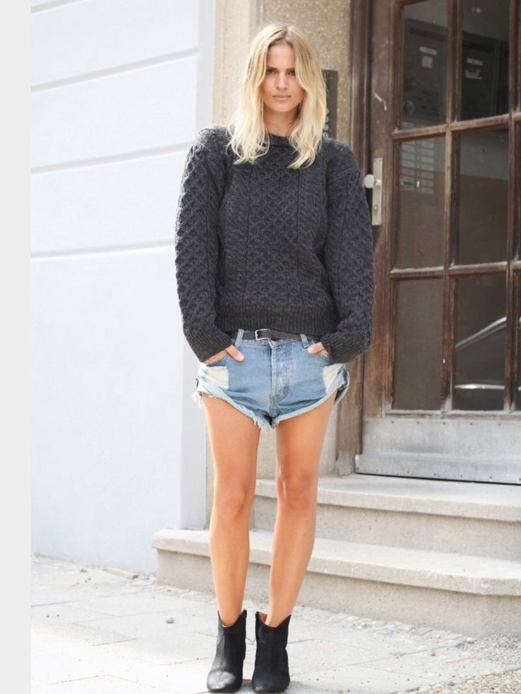 Love the juxtapose of summer and winter - covered arms with bare legs in boots