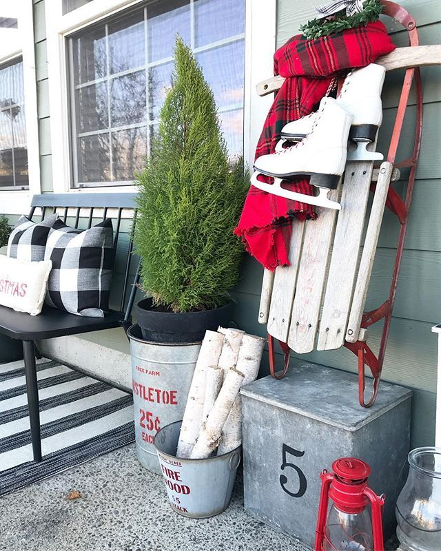 Front porch is coming along... Have a great Sunday friends! #frontporch #christmasfrontporch #christmasdecor #christmasdecorations #christmas #christmasdesign #porch