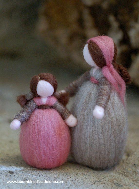 Pastorella e bimba, presepe in lana fiaba, ispirazione Waldorf