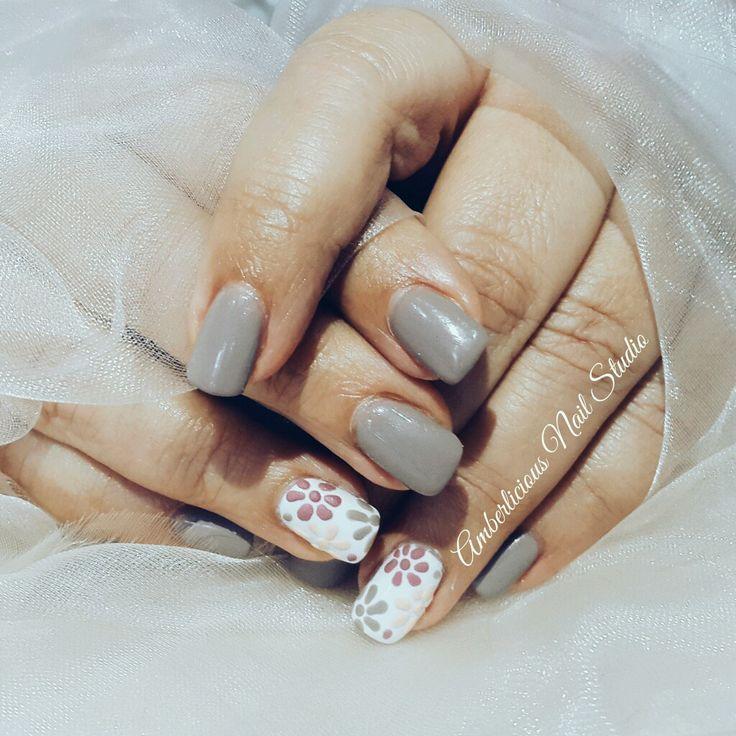 Powder Gel. nude nails. 3D Flowers.