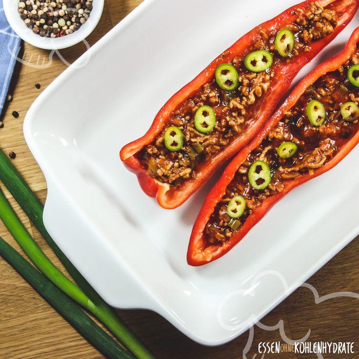 Spitzpaprika ist die süße Variante der normalen Paprika. Sie enthält viel Vitamin C und eignet sich perfekt zum Füllen. Gefüllt mit Hackfleisch schmeckt sie garantiert der ganzen Familie. Schnell und unkompliziert zubereitet und unglaublich lecker. Eine tolle Idee für ein einfaches Mittag- oder Abendessen. Das Gericht lässt sich super vorbereiten. Ideal für stressige Tage.  …