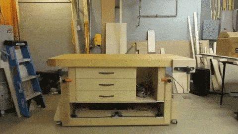 A Modern Woodworking Workbench