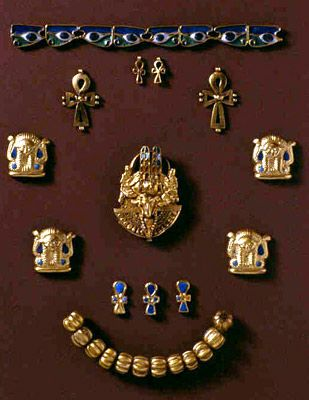 The jewellery belonged to queen Amanishakheto who carried the title of ruler of the kingdom of Kush where she reign in the 1st century B.C. Description from pinterest.com. I searched for this on bing.com/images