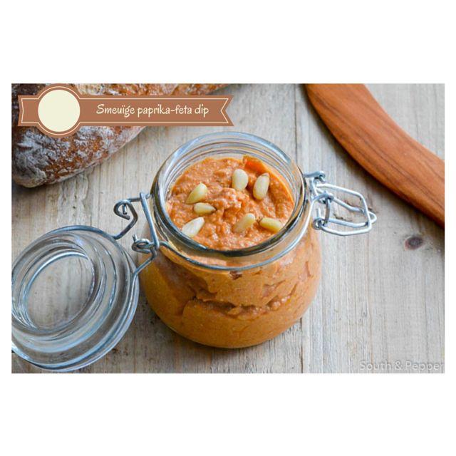 Deze smeuïge dip van geroosterde paprika en Griekse feta is heerlijk op geroosterd brood of met rauwkost. #dip #recept #recipe #paprika #dip #feta