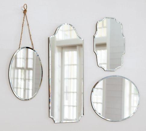 spiegels, reflectie, licht, vintage voor boven de verwarming in de eetkamer