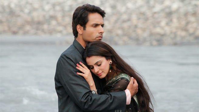 Tumhari Pakhi starring Iqbal Khan and Shraddha Arya is a show on Life Ok based on the novel Nav-Vidhan.