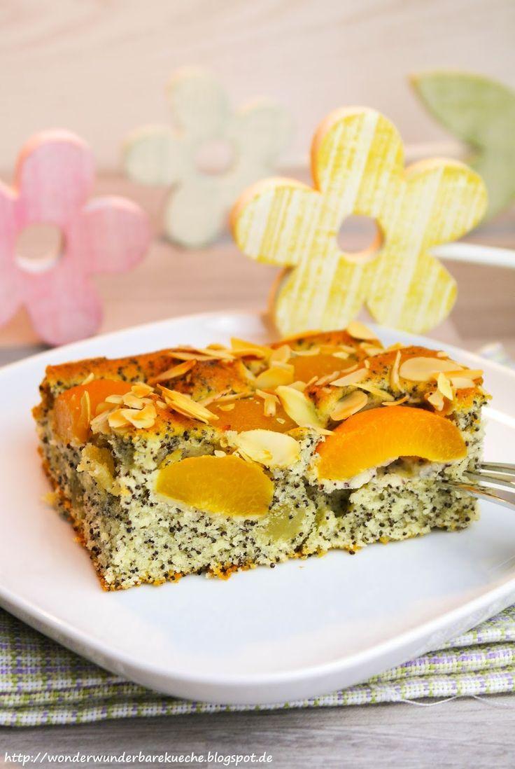 Mohn-Marzipan-Blechkuchen mit Aprikosen