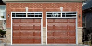 Die Kosten für eine Garage - Wie sie sich zusammensetzen erfährst Du in unserem Preisradar!   Garage bauen, Garage Idee, Garage Inspiration, moderne Garage, Garagentor, Garage groß, Garage klein