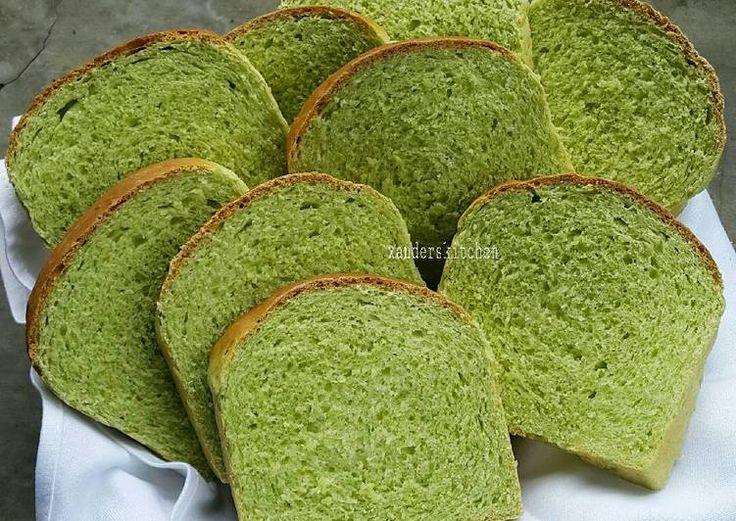 Roti tawar santan pandan