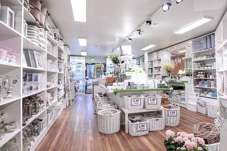 Lighting brings Finnmari interior shop to a new level. Uusi LED-valaistus tuo Finnmarin sisustusliikkeen tuotteet loistavasti esille.
