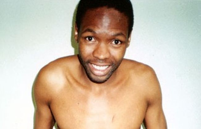 Με το όνομα «Ο στραγγαλιστής της Νότιας Αφρικής» έγινε γνωστός ο κατά συρροή δολοφόνος Μόσις Περισσότερα