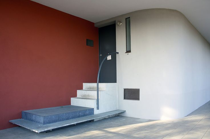 https://flic.kr/p/pSXBbr | Le Corbusier, Pierre Jeanneret twin house, Stuttgart 1927 | photographed by Frank Dinger  BECOMING - office for visual communication www.becoming.de www.twitter.com/becoming_blog pinterest.com/bcmng/ www.instagram.com/bcmng  facebook: Becoming office for visual communication