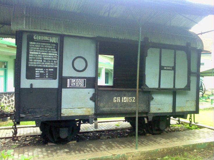 Gerbong Maut. Salah satu koleksi di Museum Brawijaya, Malang #wonderfulindonesia #malang