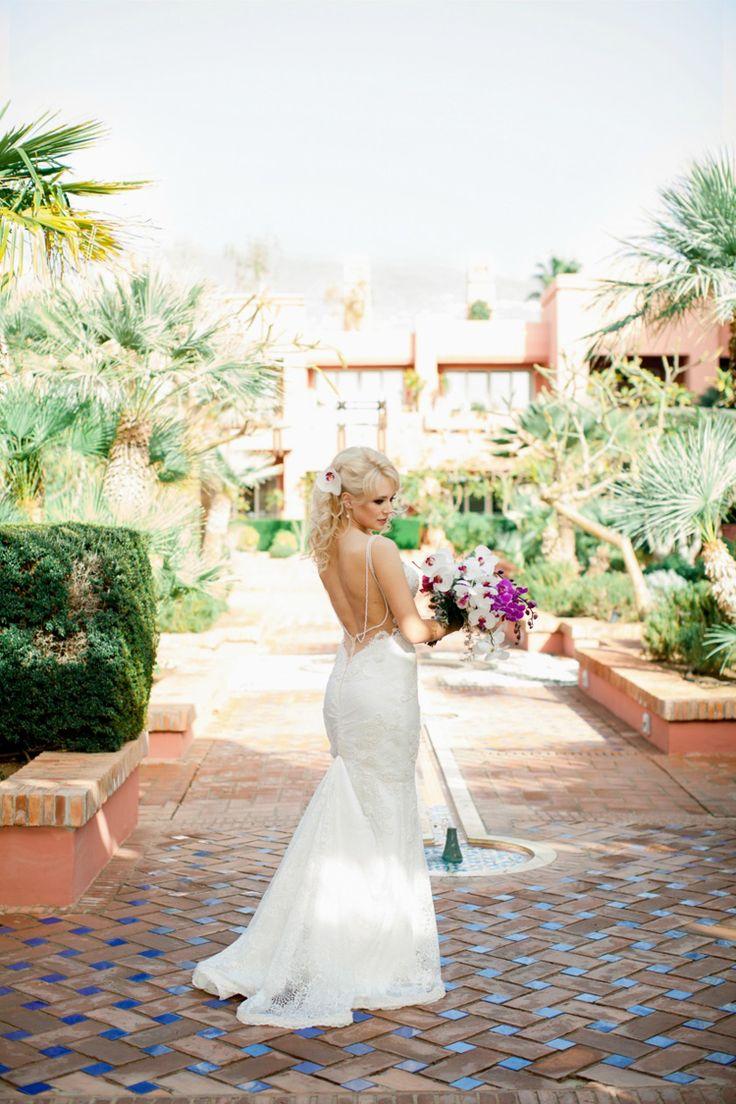 Open back wedding dress (Kseniya Bunets)