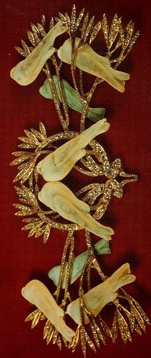 Lalique 'Peace' Brooch presented to Edith Wilson in 1919. This pin was a gift to Mrs. Woodrow Wilson when she accompanied the president to the Paris Peace Conf. following World War I. Mrs. Wilson donated the pin to the  Smithsonian in 1953. 'The Jewels of Lalique' Yvonne Brunhammer
