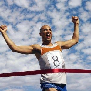 """«Plus vite – Plus haut – Plus fort » : Le sport vu par la sophrologie  """"Tout le monde connaît cette devise olympique et peut-être plus encore les sportifs, même si les jeux olympiques ne sont pas, pour certains sportifs, une finalité en soi. Tout sportif, qu'il soit de haut niveau ou amateur a le désir d'améliorer ses performances, ses qualités sportives et ses résultats.""""  Auteur: Maryse Minayo"""