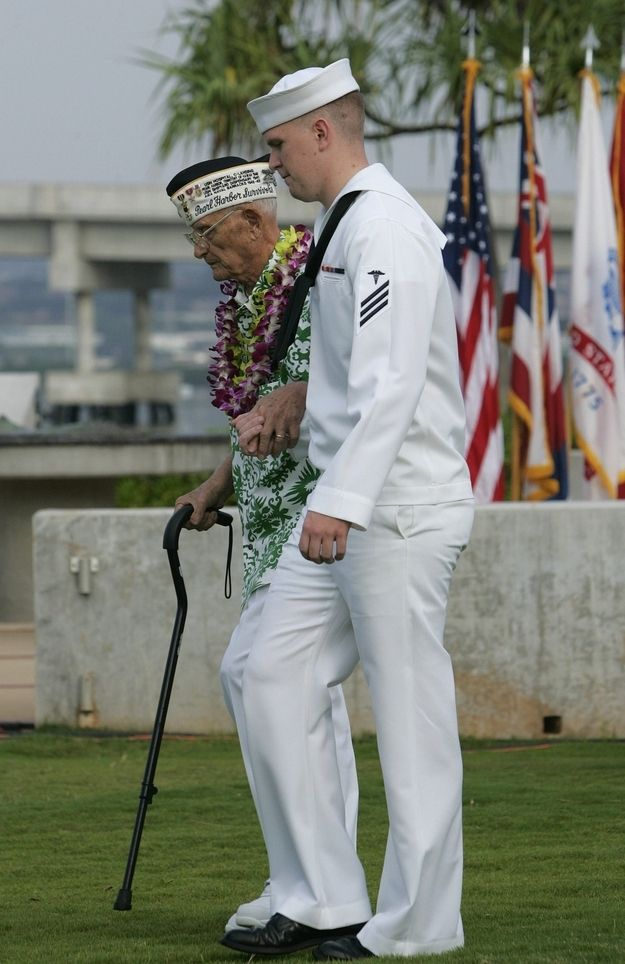 24 Moving Photos From The 71st Anniversary of Pearl Harbor (RIP)