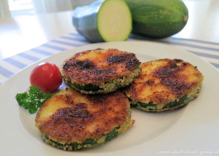 Rezept für knusprige Zucchini-Taler. Ein feines Essen für die ganze Familien. Kidsfood vegetarisch.