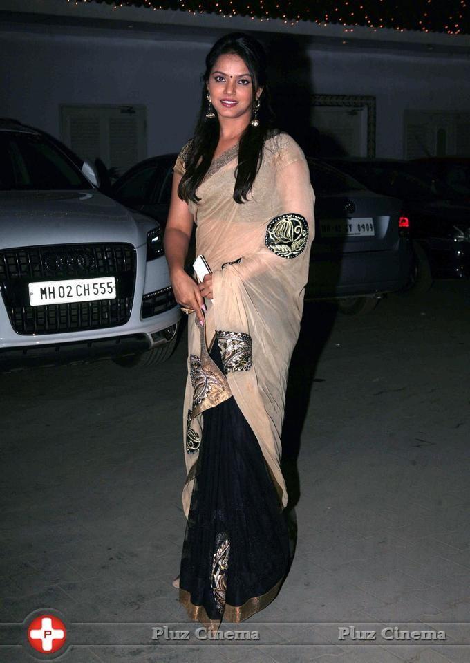 Neetu Chandra in half and half saree