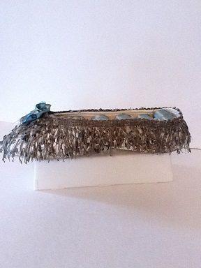 Soulier porte-bijoux effiloché vert forêt et bleu  No. 0667