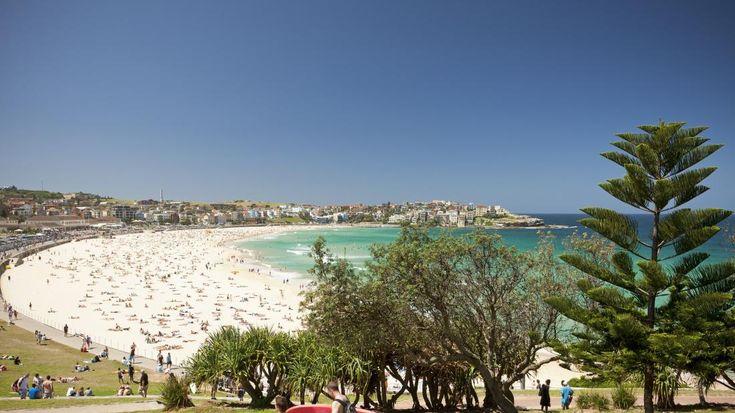 playa de Bondi Beach, una de las playas más famosas de Australia, en Sydney.