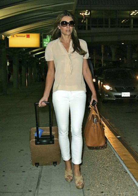 Elizabeth Hurley Fashion and Style