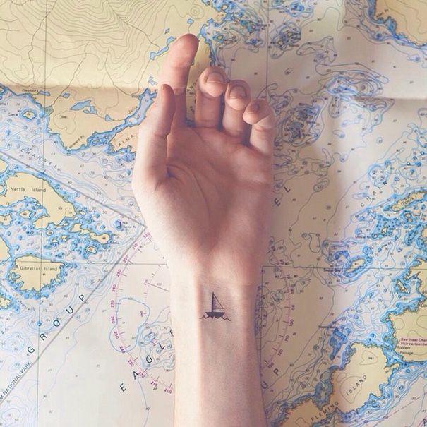 15 tatuajes minimalistas que te inspirarán a tener uno
