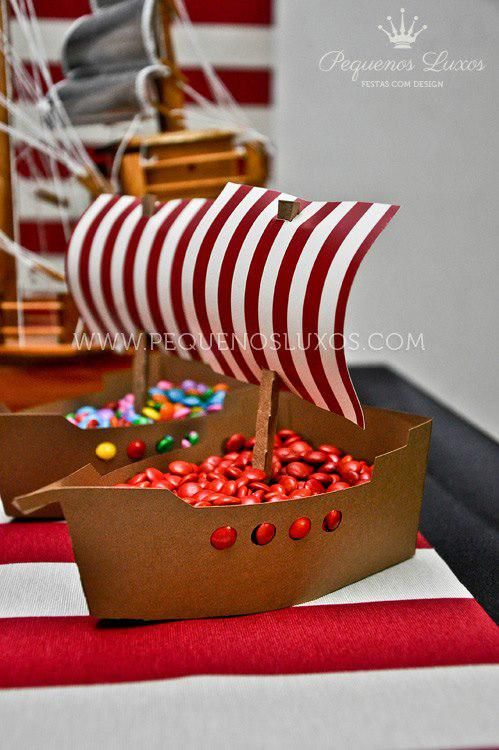 Food ideas. Decoration. Pirate theme party ideas. Pirate Party: Creative way to serve snacks