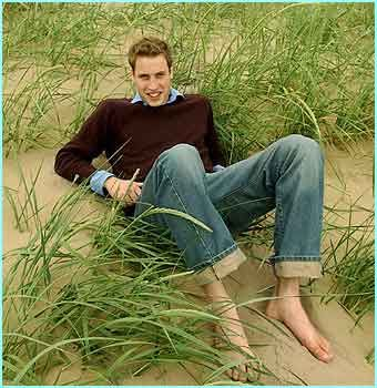 https://flic.kr/p/8TtKB6 | Untitled. Tags: barefoot,  boy, cardigan, elegance, feet, guy, ivy league, jeans, jumper, look men, preppy, prince William, pullover, shirt, smart casual, sweater, босиком, джинсы,  преппи, принц Уильям