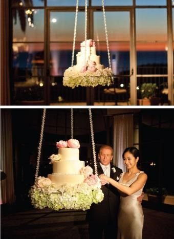 hanging wedding cake,, gorgeous, very unusual idea, I wonder if it swings??.