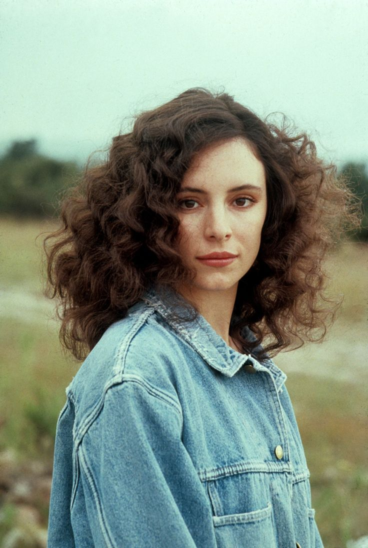 Madeleine Stowe is a major BABE-zilla.