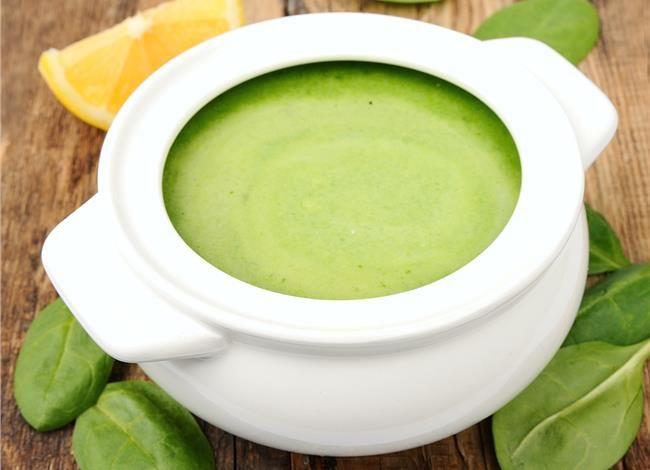 Σούπα με σπανάκι αυγολέμονο