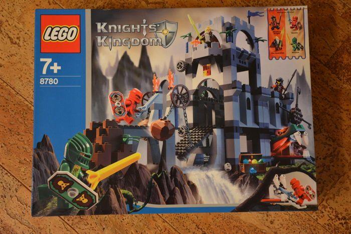 """Kasteel - 8780 - Citadel van Orlan  LEGO thema """"Knights Kingdom"""" Episode II:Vanaf 2004 met 423 onderdelen en 4 minifigs instellenMet de Santis Rascus The Guardian en een paard met schaduw.Voorkeur verzending met DHL (Duitsland).Pick Up thuis mogelijk (Duitsland - Keulen gebied).Reden voor de verkoop: opslagruimte moet worden uitgeschakeld...  EUR 5.00  Meer informatie"""