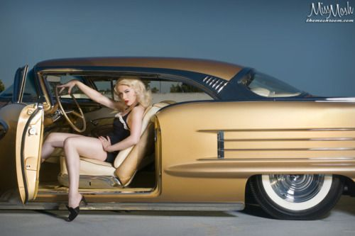 Miss MoshRods Pinup, Pinups Motors