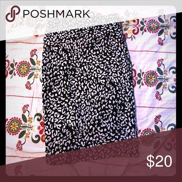 LLR Cassie 🦄 leopard print Worn once. LuLaRoe Skirts Pencil