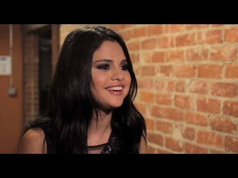 Selena Gomez - VEVO GO Shows: Hit The Lights | http://pintubest.com