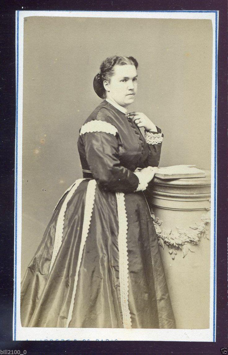 Madame Zélia Provost-Ponsin, cantante lirica, cdv dello studio Liebert di Parigi... appena comprato su ebay...  http://fr.wikipedia.org/wiki/Z%C3%A9lia_Ponsin