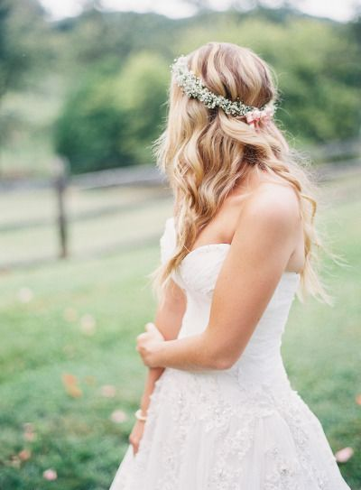 Perfectly wavy hair with a sweet baby's breath flower crown: http://www.stylemepretty.com/2015/01/07/whimsical-blush-and-gold-alfresco-wedding/ | Photography: Michael & Carina - http://www.michaelandcarina.com/