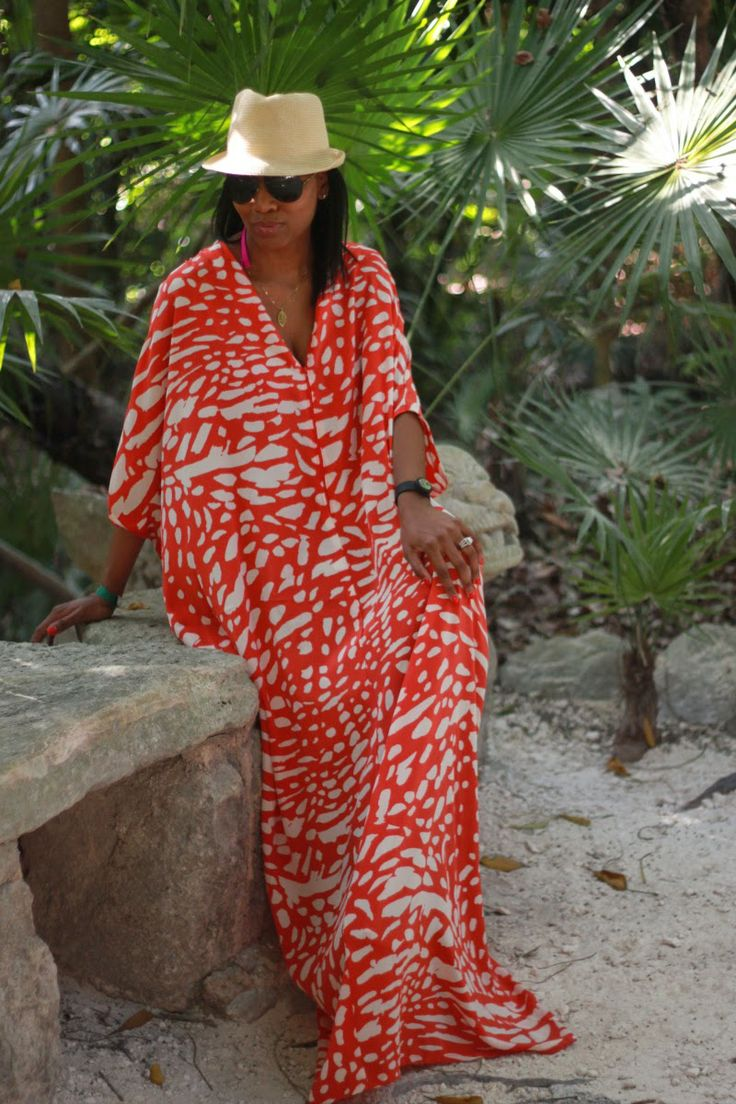 Beaute' J'adore: DIY Resort Style Caftan pt2 ~ she has two versions using a vintage Simplicity pattern