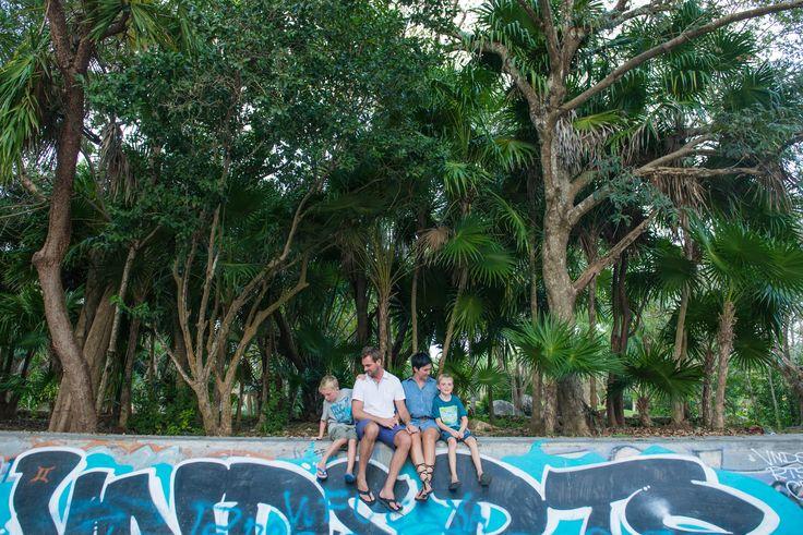 Family photos in Puerto Aventuras, Mexico!   #familyphotos #mexicolife #destinationphotographer #mexkiexico
