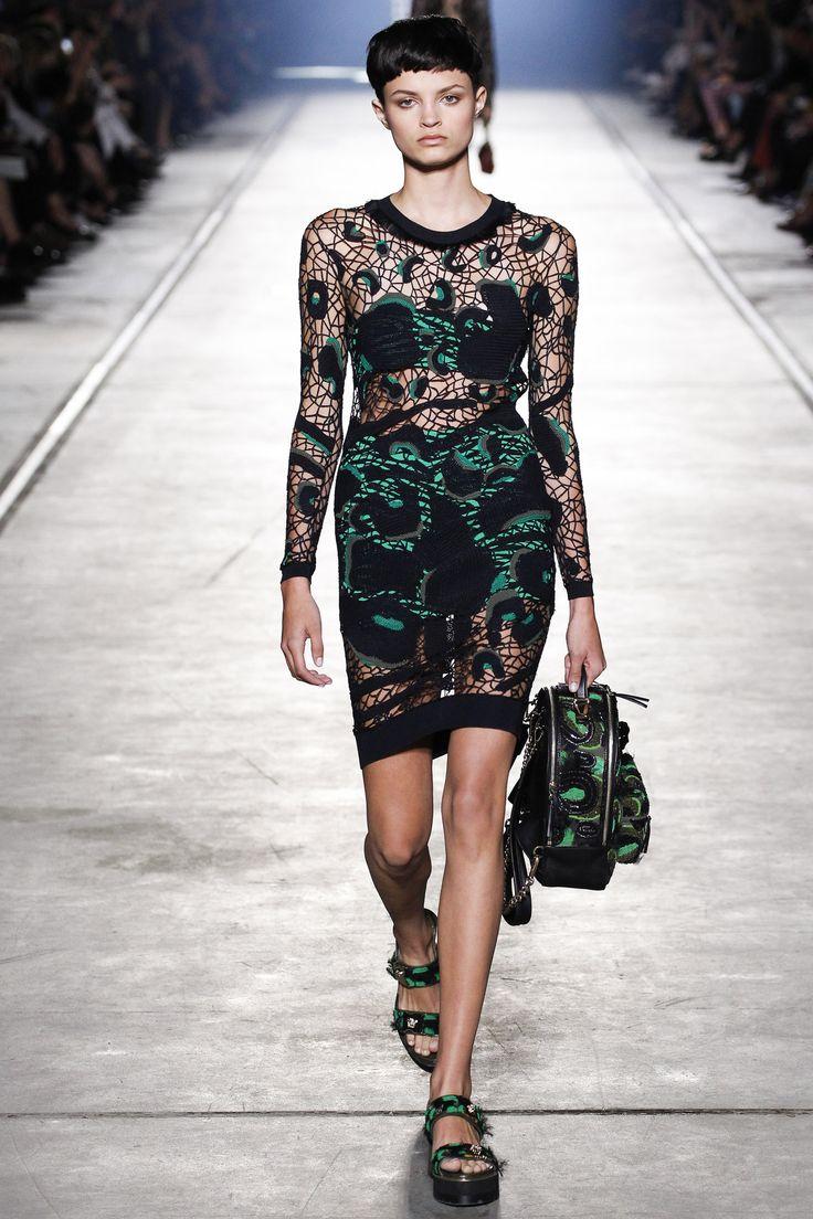 Versace, Look #18