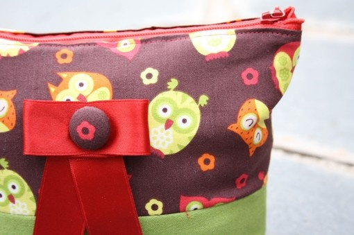 owls on brown/green  zipper bag by onnaBandA on Etsy, €22.00