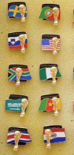 редкие старые эмалевые знаки: 1.Чемпионат Мира Япония Корея 2002